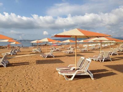 Фото обьекта Пляж Алые Паруса  №221198