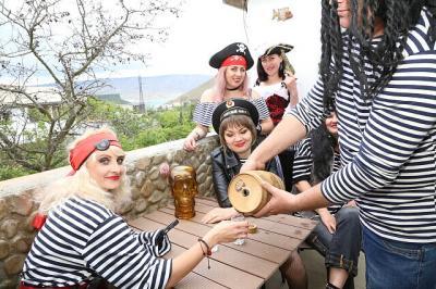 Фото обьекта Отдых на пиратском корабле №211495