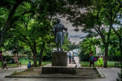 Фото обьекта Памятник Кирову №221288