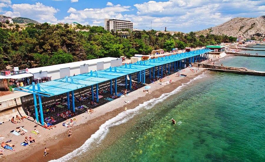 Вид на пляж военного санатория с воздуха